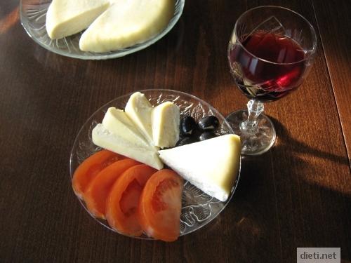 домашен кашкавал с червено вино
