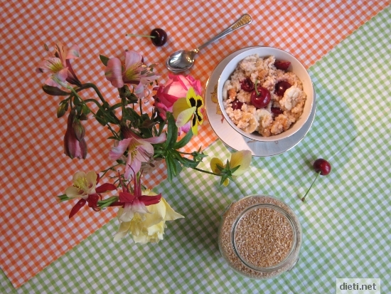 Закуска за шампиони: Булгур с плодове, орехи и мед