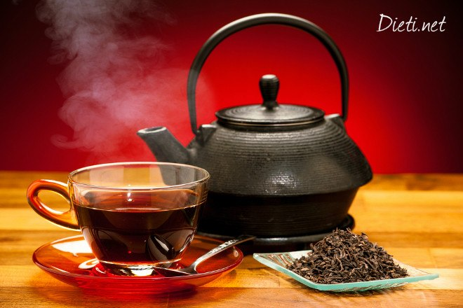 Чаша черен чай