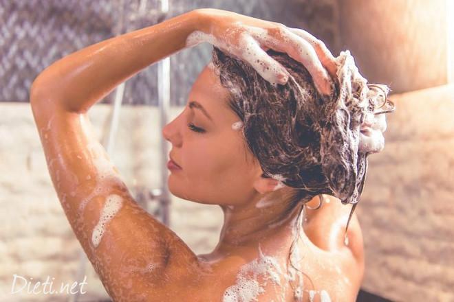 Как правилно да мием косата си?