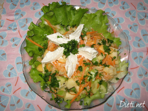 Витаминозна салата от бяла ряпа