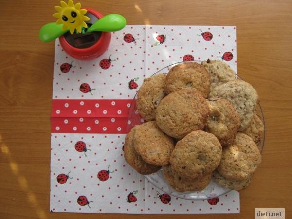пълнозърнести бисквити с елда и шоколад