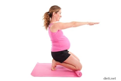 Гимнастика за бременни в домашни условия